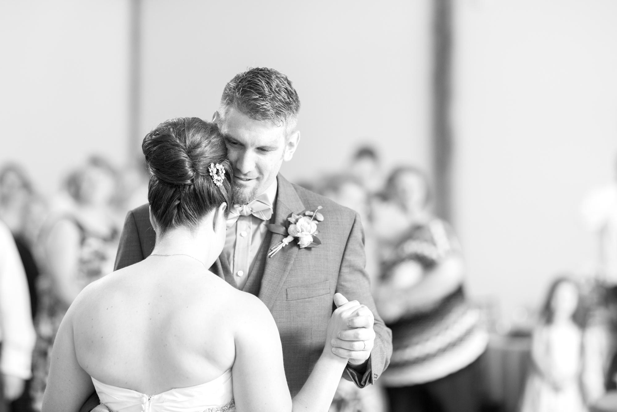 6-Berkstresser Wedding Reception-577_anna grace photography pennsylvania wedding photographer riverdale manor.jpg