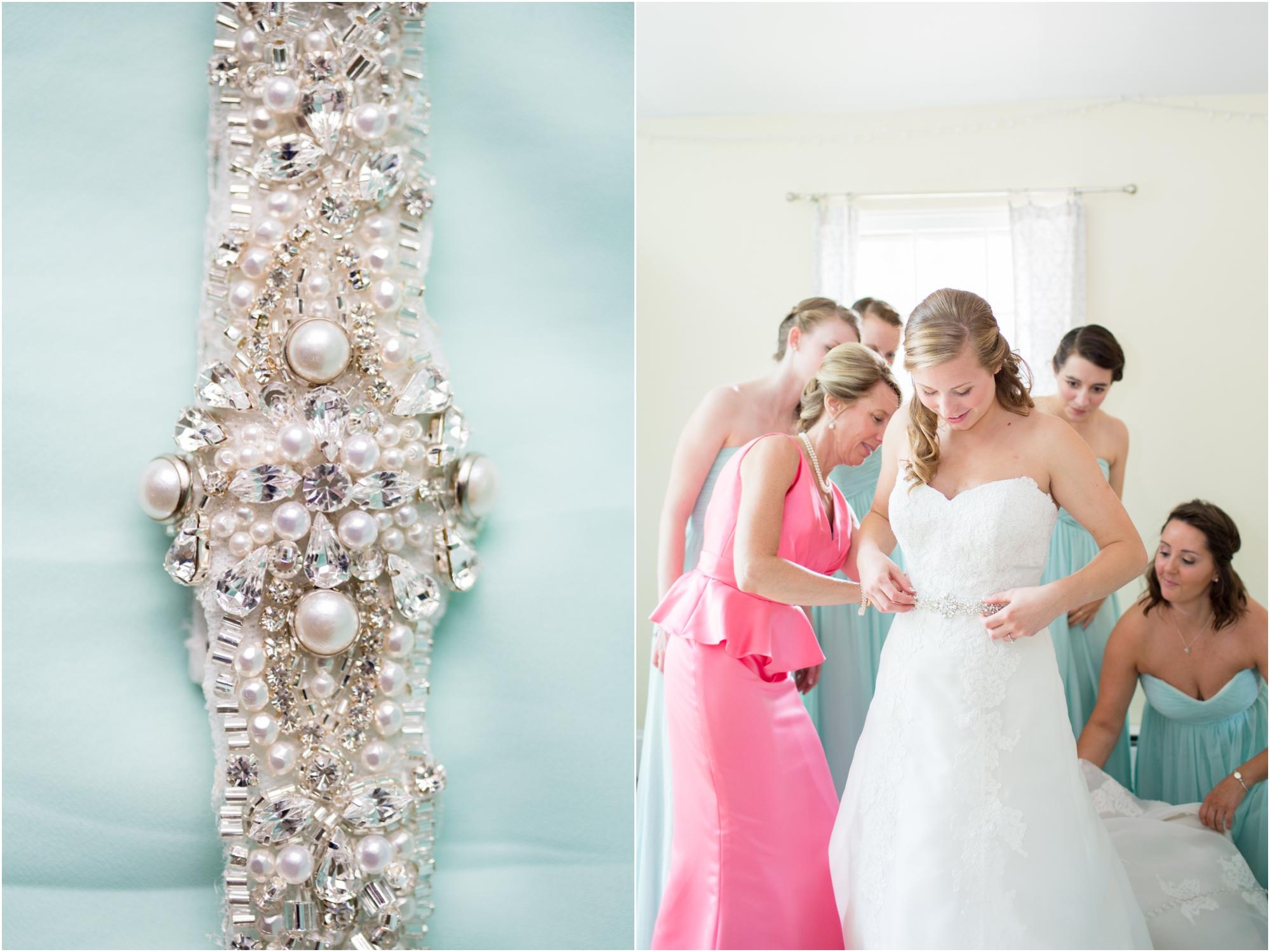1-Banal Wedding Getting Ready-44_annagracephotography maryland wedding photographer country club of maryland.jpg