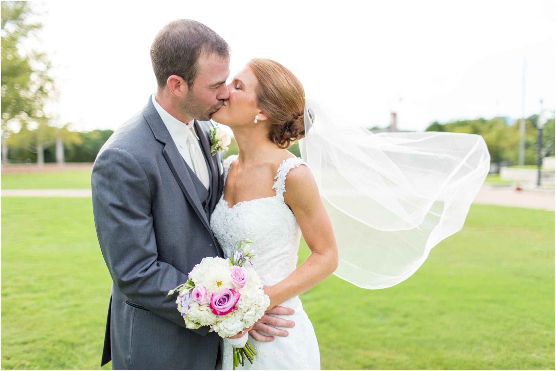 3-Bride-Groom-Portraits-Burns-Wedding-875.jpg