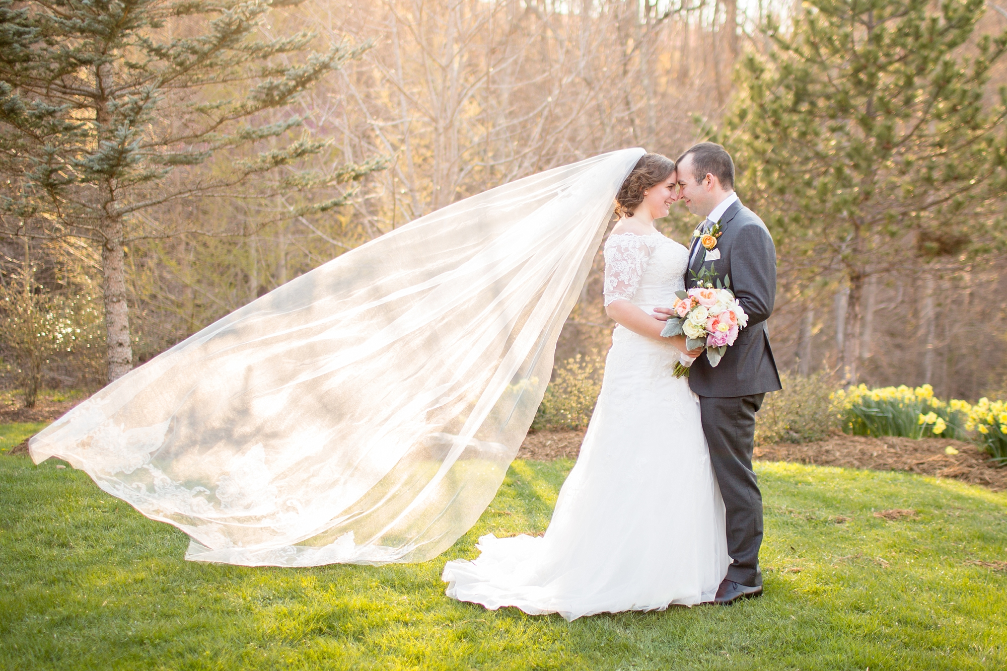 That veil is gorgeous!