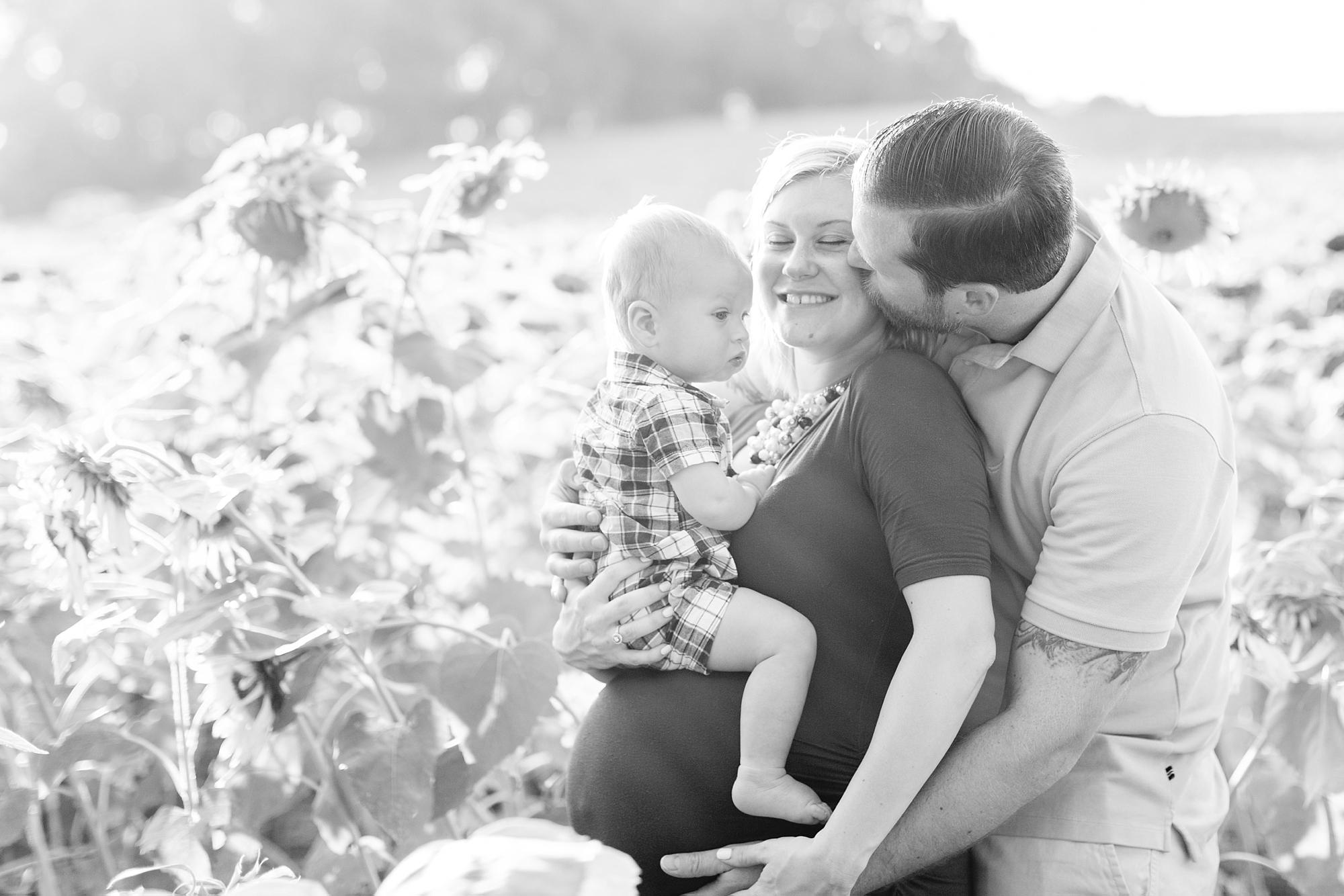 Andrews Family 2016-51_anna grace photography baltimore maryland maternity family photographer sunflower field photo.jpg