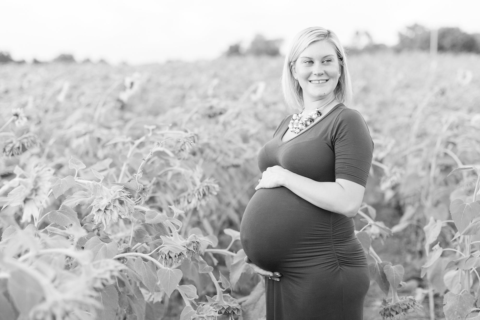 Andrews Family 2016-268_anna grace photography baltimore maryland maternity family photographer sunflower field photo.jpg