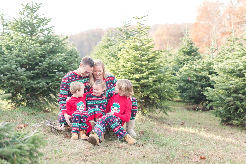 Golembiesky Family 2017-15_ruhl-tree-farm-baltimore-maryland-family-photography-anna-grace-photography-photo.jpg
