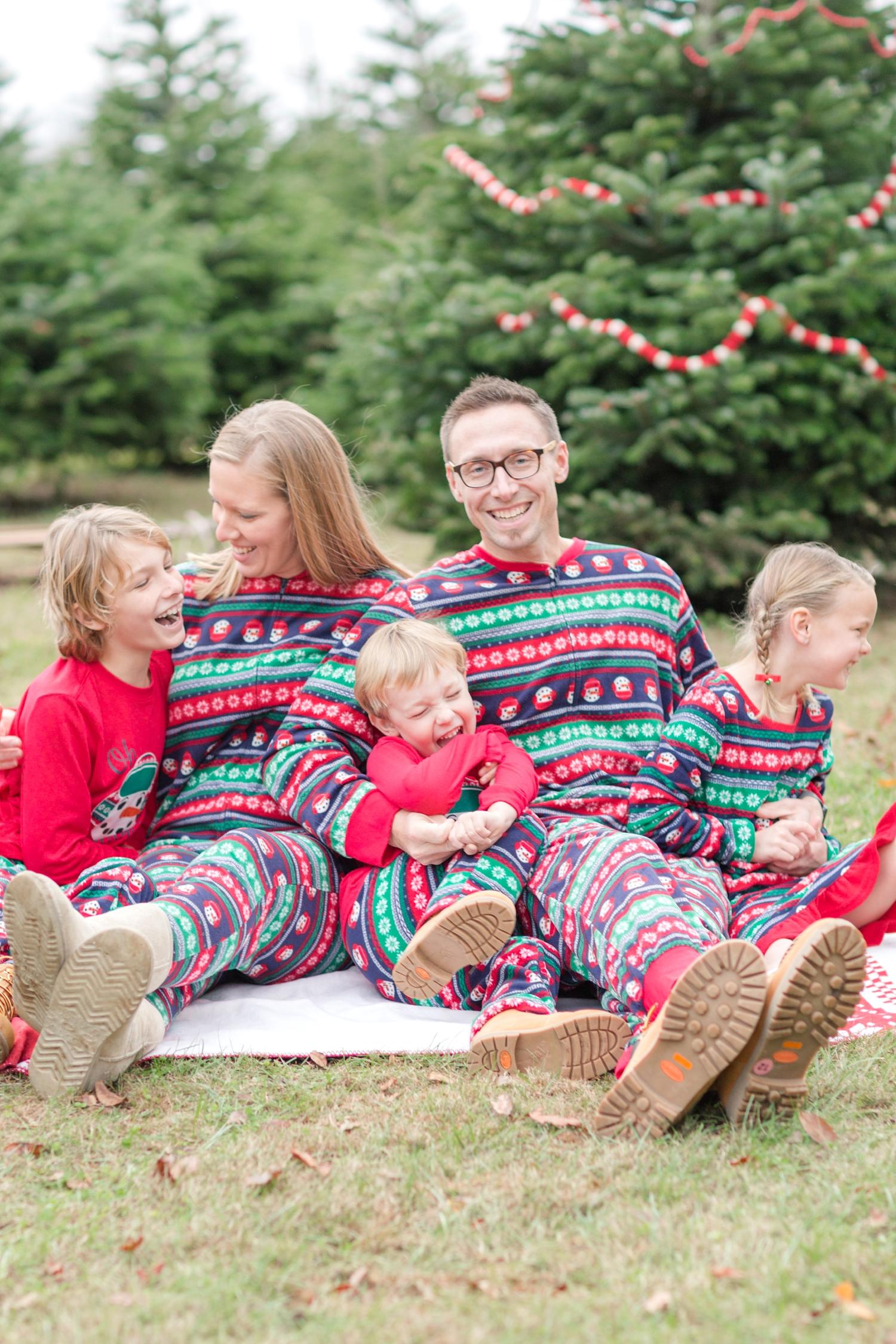 Golembiesky Family 2017-151_ruhl-tree-farm-baltimore-maryland-family-photography-anna-grace-photography-photo.jpg