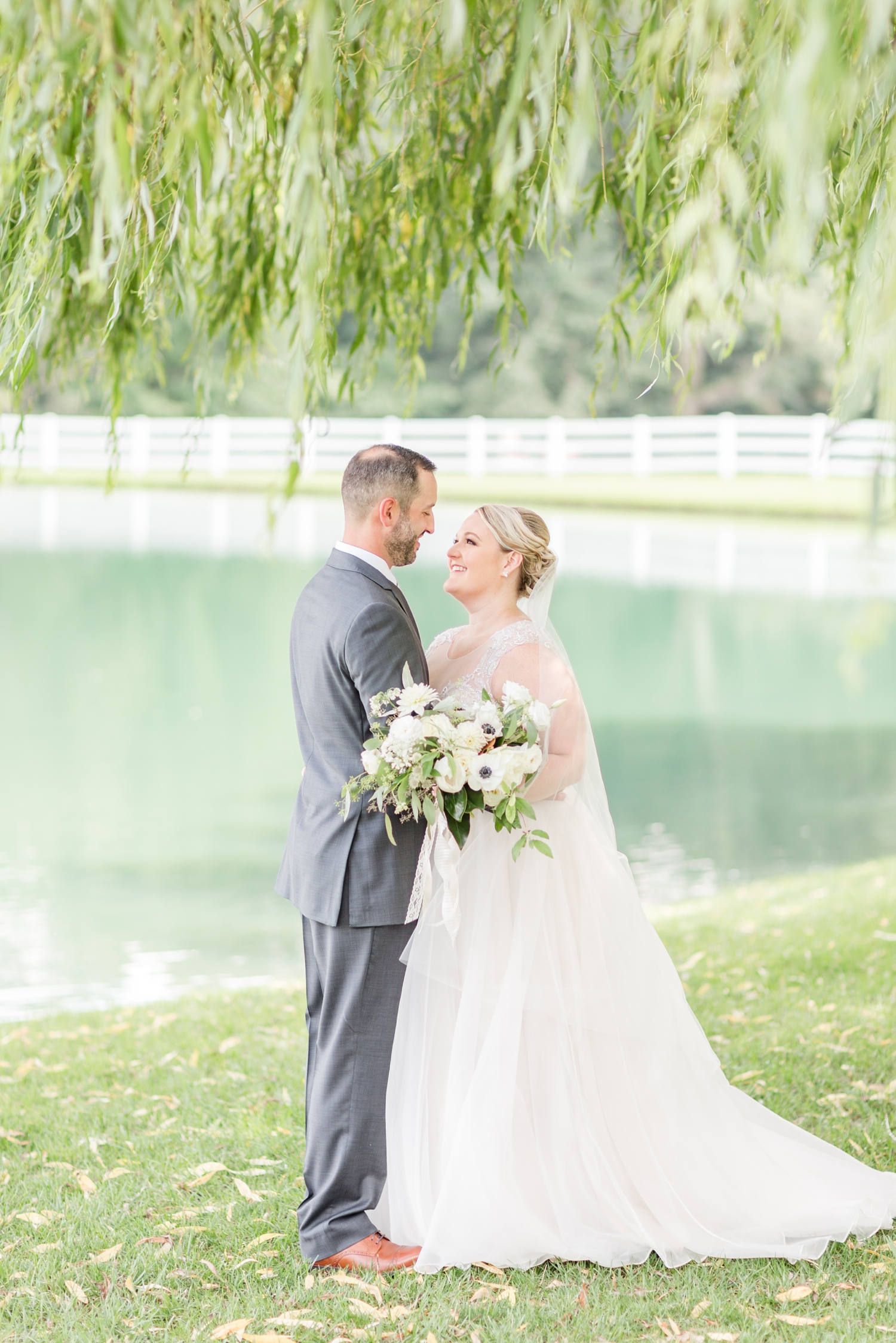 WINKLER WEDDING HIGHLIGHTS-155_pond-view-farm-wedding-maryland-wedding-photographer-anna-grace-photography-photo.jpg