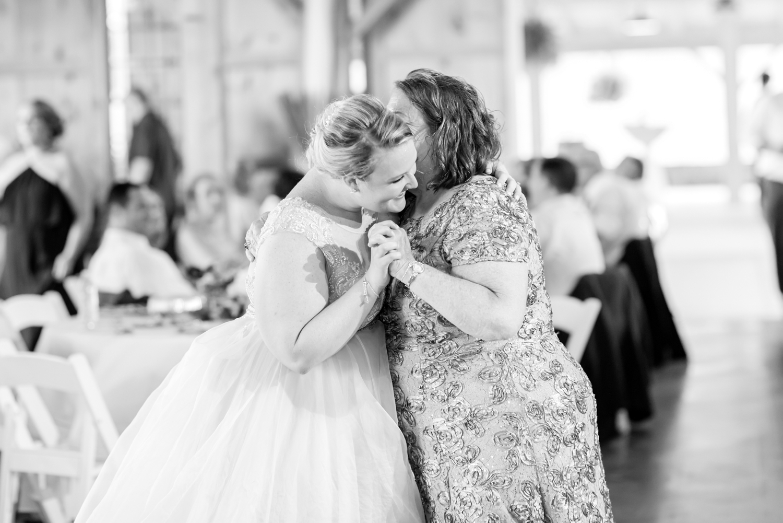 WINKLER WEDDING HIGHLIGHTS-395_pond-view-farm-wedding-maryland-wedding-photographer-anna-grace-photography-photo.jpg