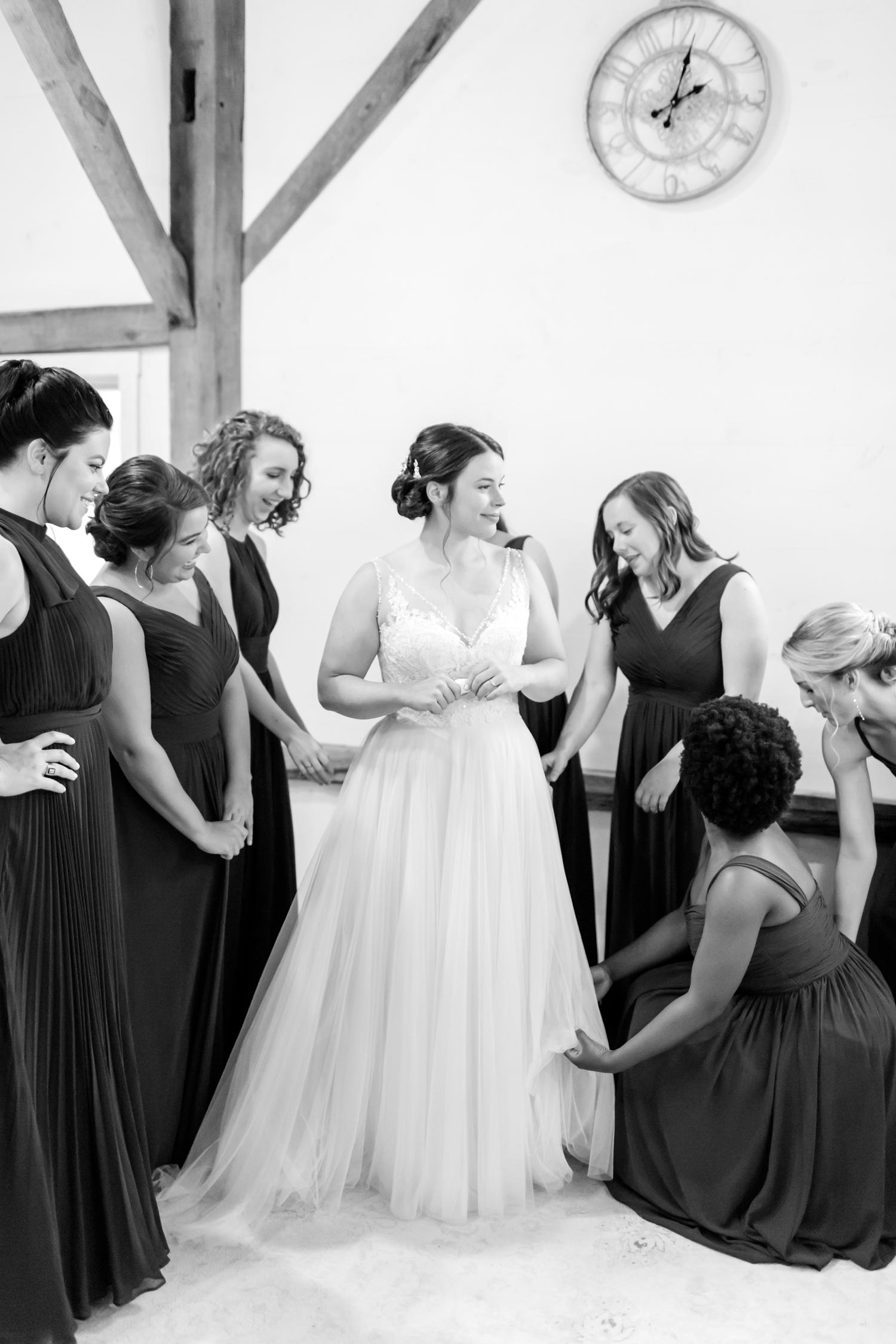 ADKINS WEDDING HIGHLIGHTS-70_The-Granary-wedding-Valley-Pike-Farm-Market-Virginia-wedding-photographer-anna-grace-photography-photo.jpg