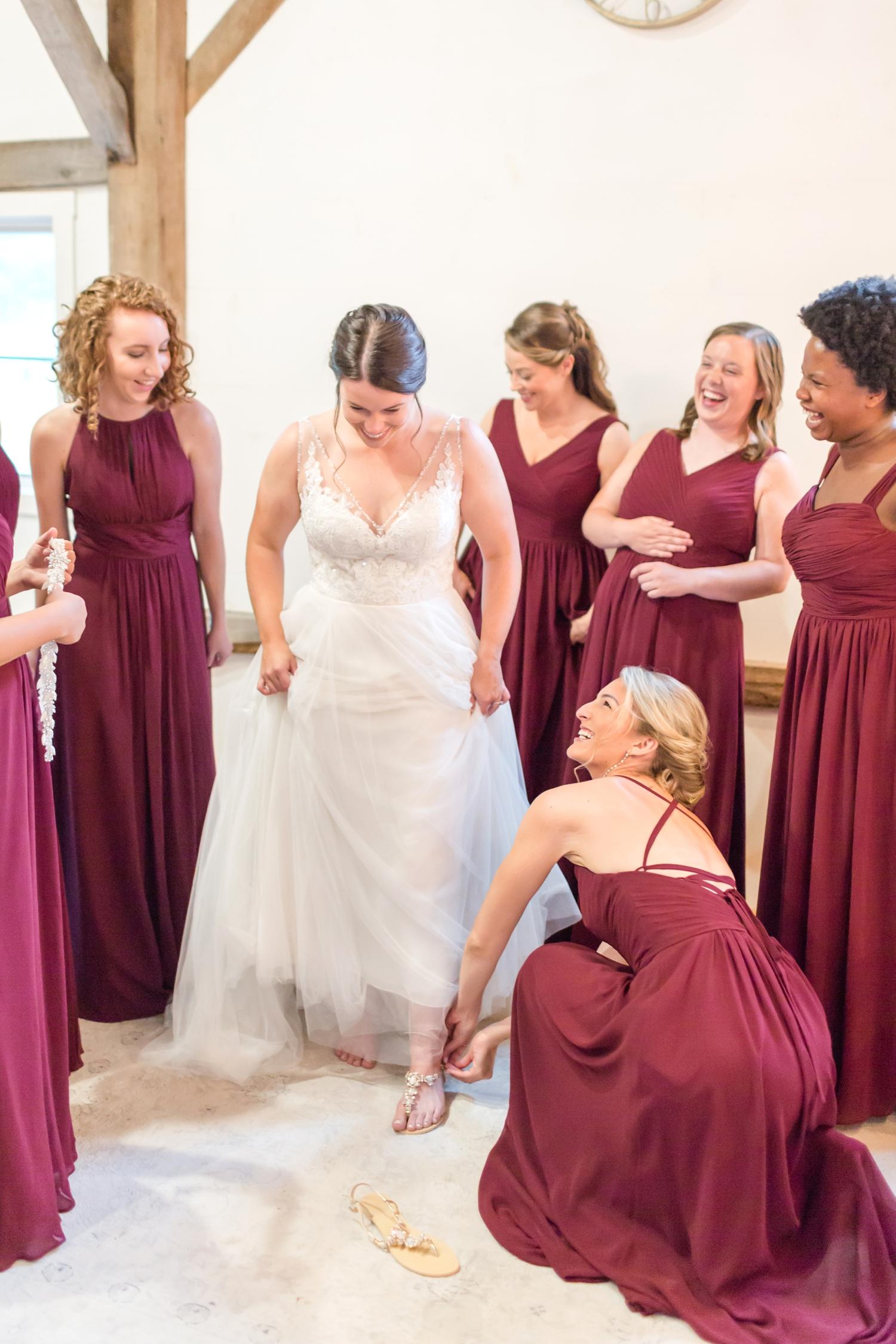 ADKINS WEDDING HIGHLIGHTS-73_The-Granary-wedding-Valley-Pike-Farm-Market-Virginia-wedding-photographer-anna-grace-photography-photo.jpg