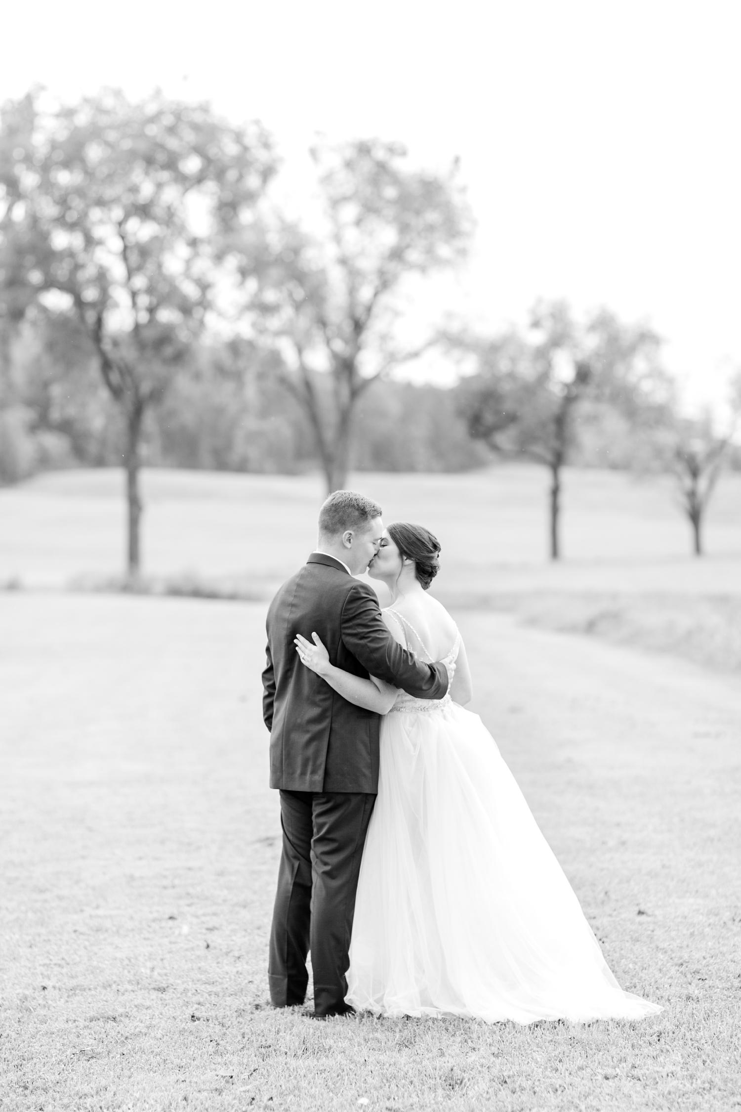 ADKINS WEDDING HIGHLIGHTS-205_The-Granary-wedding-Valley-Pike-Farm-Market-Virginia-wedding-photographer-anna-grace-photography-photo.jpg