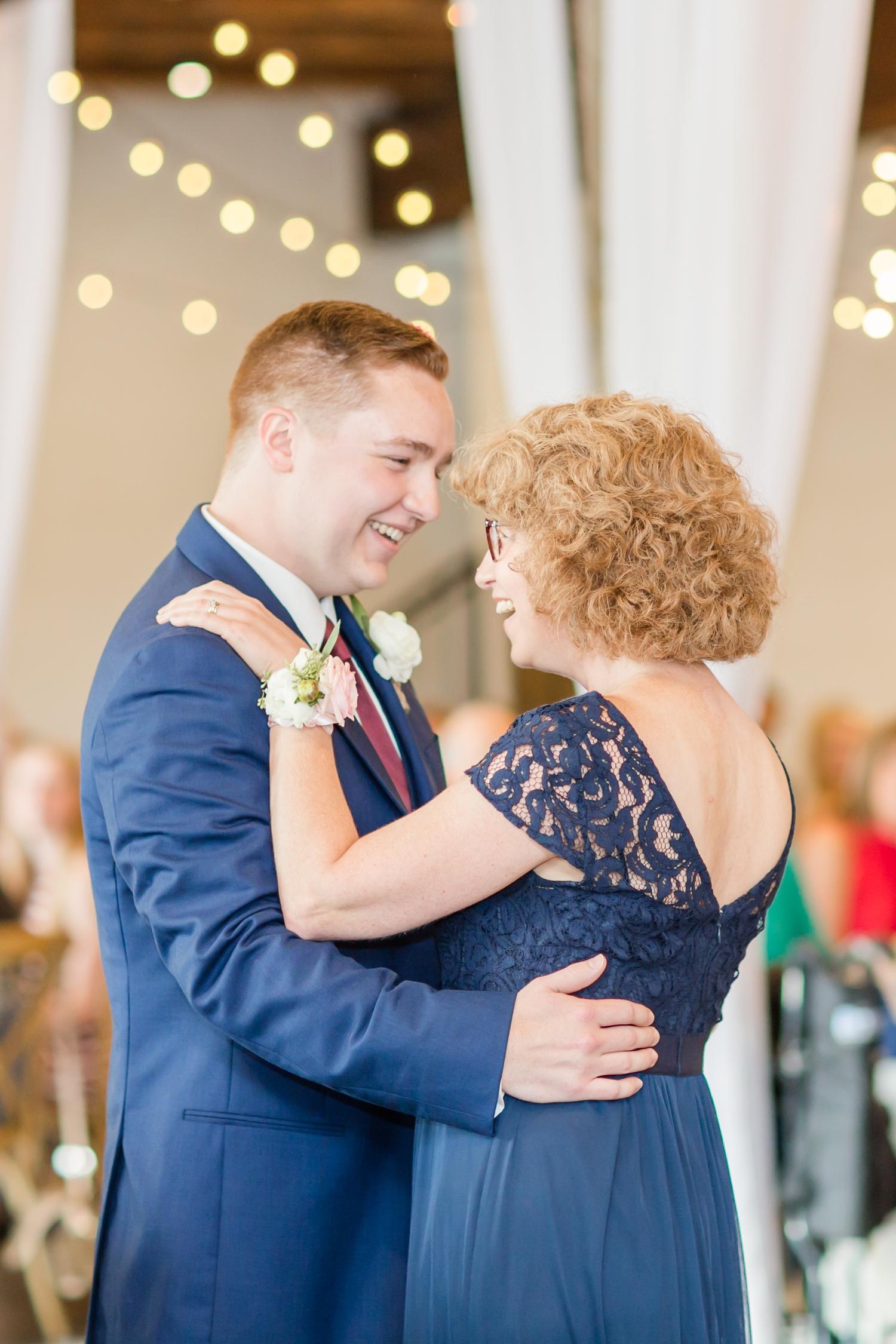 ADKINS WEDDING HIGHLIGHTS-286_The-Granary-wedding-Valley-Pike-Farm-Market-Virginia-wedding-photographer-anna-grace-photography-photo.jpg