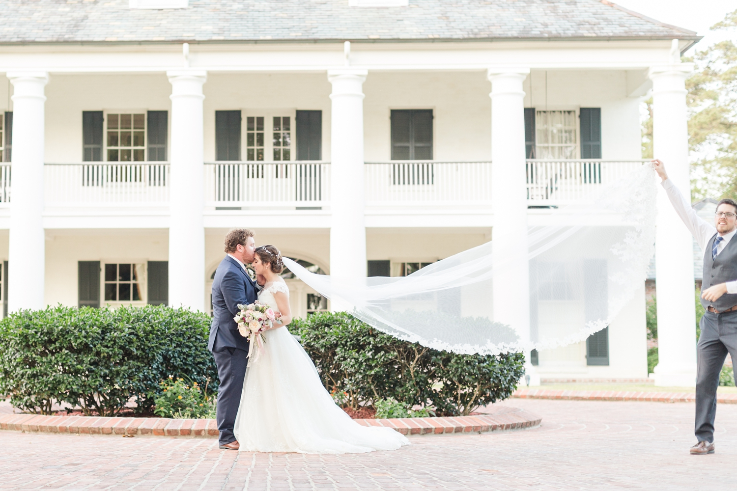 The classy veil throw. Love these gorgeous buildings in Louisiana!