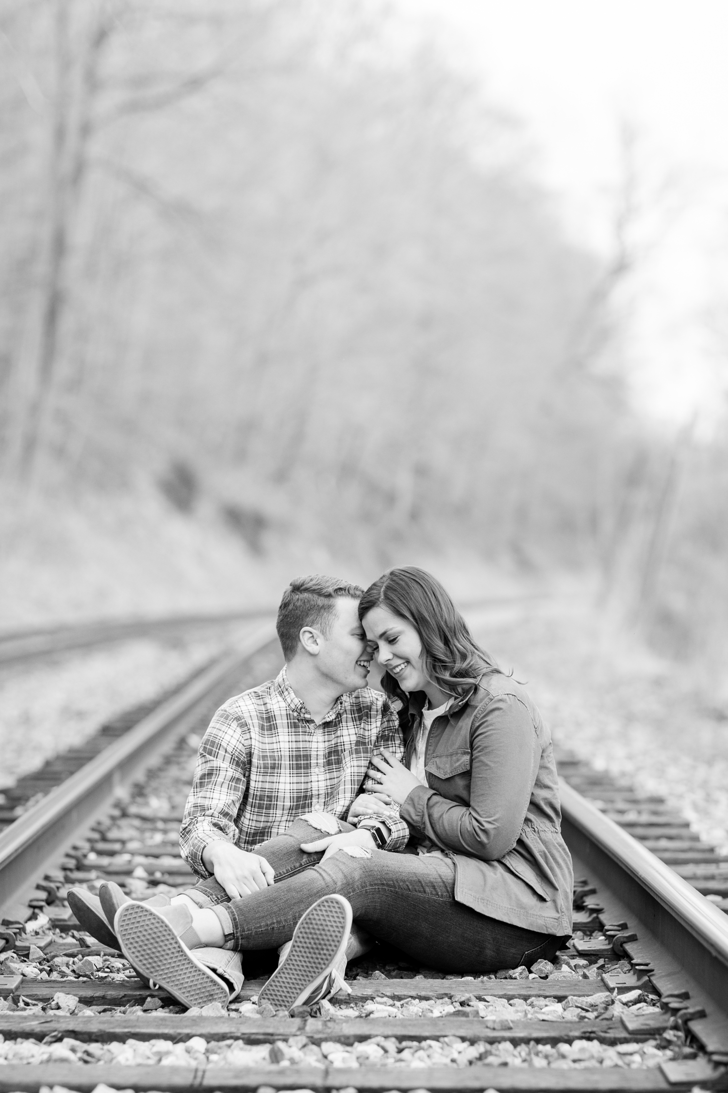 Hannah & Josh Engagement-145_Baltimore-Maryland-engagement-photographer-Patapsco-State-Park-engagement-anna-grace-photography-photo.jpg