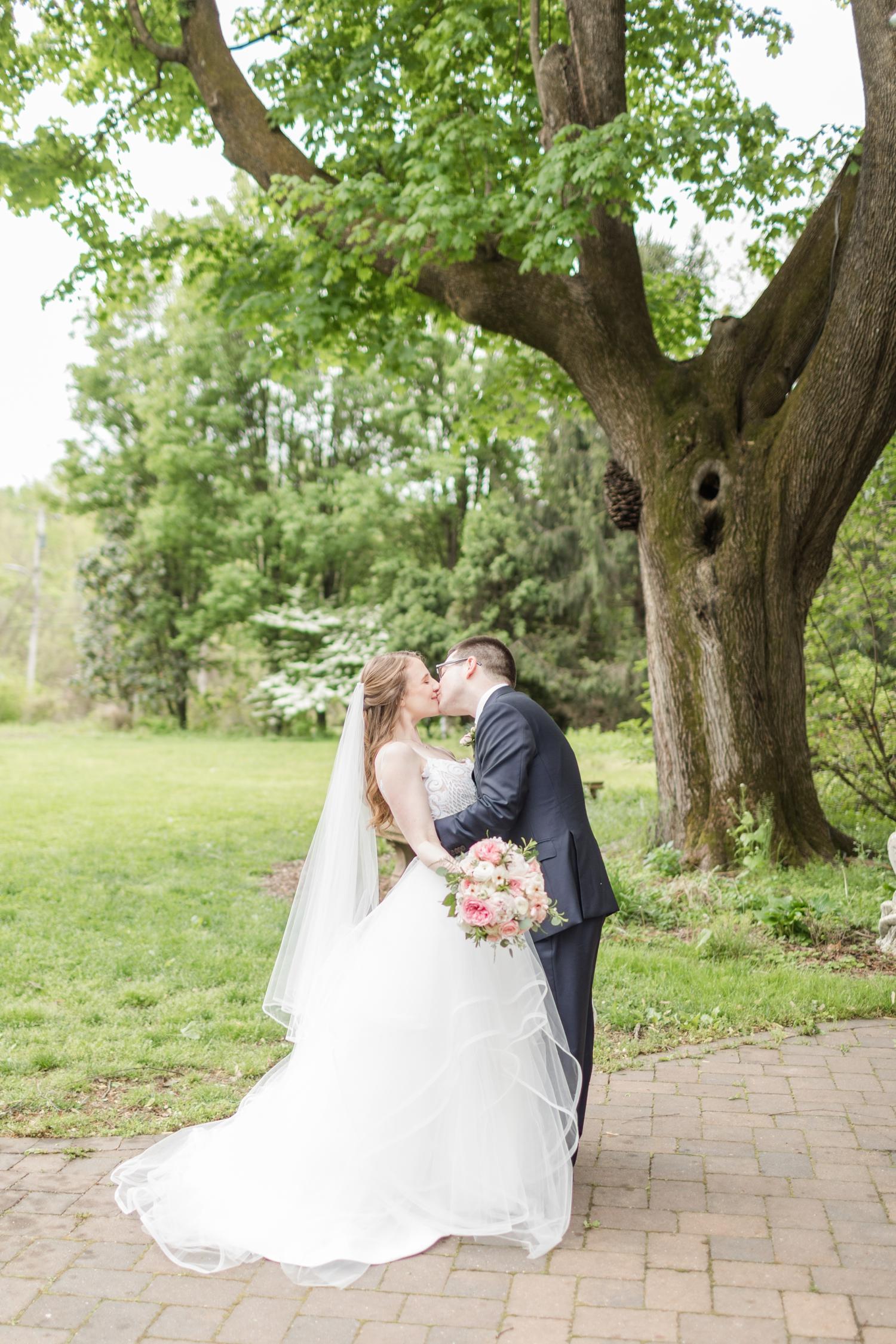 Hildebrand WEDDING HIGHLIGHTS-107_Elkridge-Furnace-Inn-wedding-Maryland-wedding-photographer-anna-grace-photography-photo.jpg