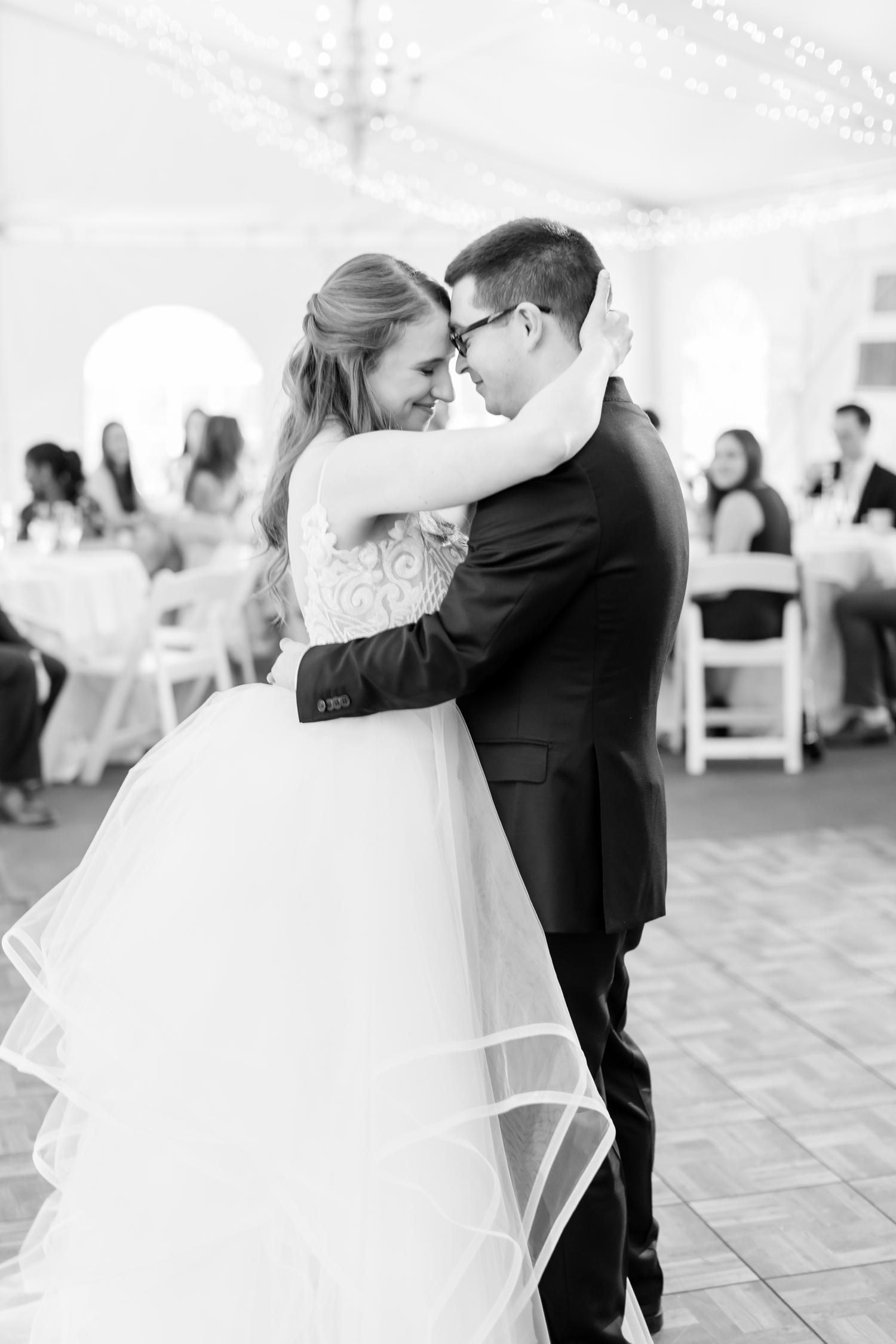 Hildebrand WEDDING HIGHLIGHTS-206_Elkridge-Furnace-Inn-wedding-Maryland-wedding-photographer-anna-grace-photography-photo.jpg