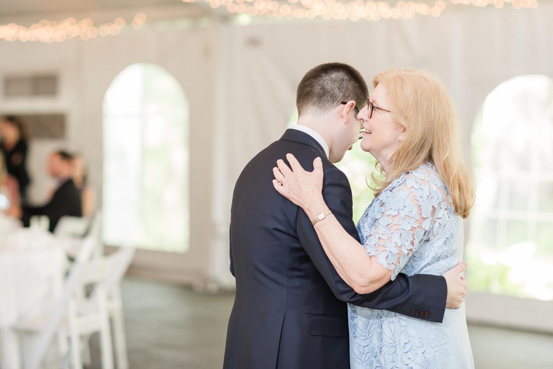 Hildebrand WEDDING HIGHLIGHTS-230_Elkridge-Furnace-Inn-wedding-Maryland-wedding-photographer-anna-grace-photography-photo.jpg