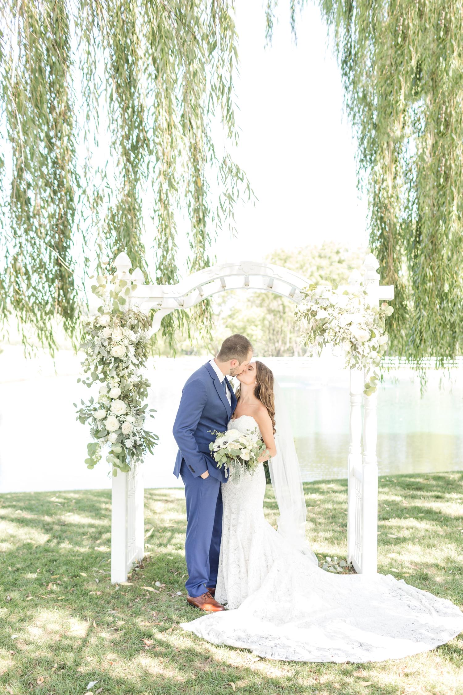 Webb WEDDING HIGHLIGHTS-215_Pond-View-Farm-wedding-Maryland-wedding-photographer-anna-grace-photography-photo.jpg