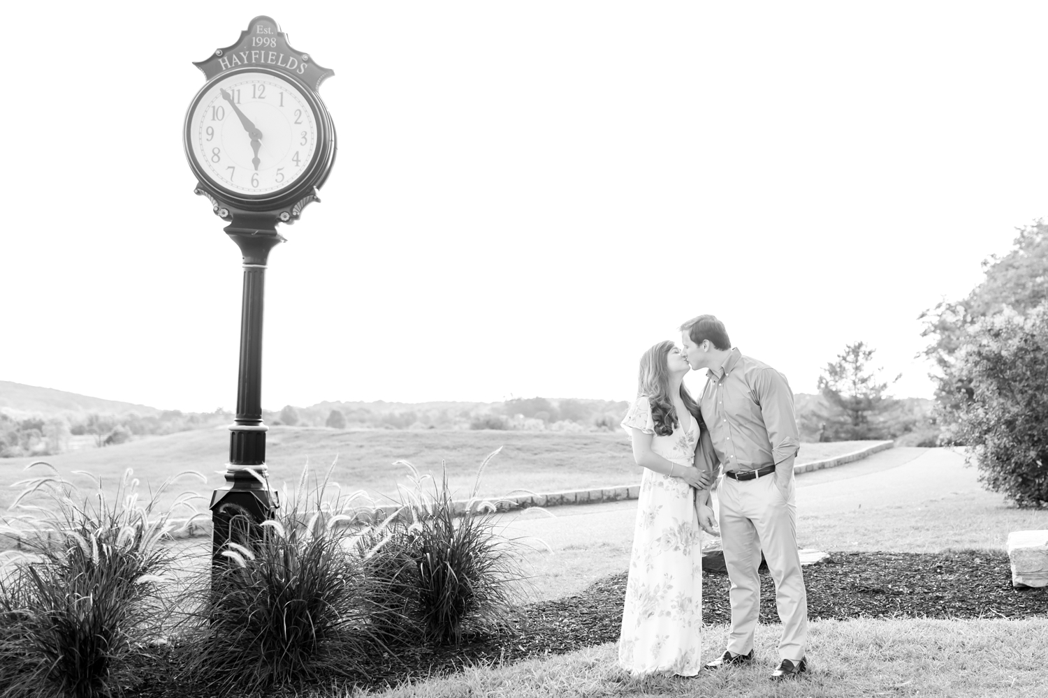 Jennifer & William Engagement-32_Hayfields-Country-Club-Engagement-Maryland-wedding-photographer-anna-grace-photography-photo.jpg