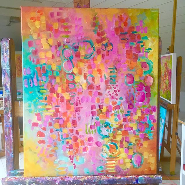 Sunshine on the easel today.☀️☀️ . . . . Be sure to sign up to my email list for news of@my new releases link in bio @brendaharrisart . #inthepink #fieldsofcolour  #passioncolourjoy #colourfulartwork #intuitiveartwork #passioncolorjoy #modernpainting #irishart #irishartist #interiordesigninspo #contemporaryartist #colourfulpainting  #interiordesignideas #irishartists  #summercolour #summerart #brendaharrisart  #ihavethisthingwithcolour #colourventures  #irishpainter #acrylicpainting #artvision #paintingprocess #artsanity #creative_art #irishgarden