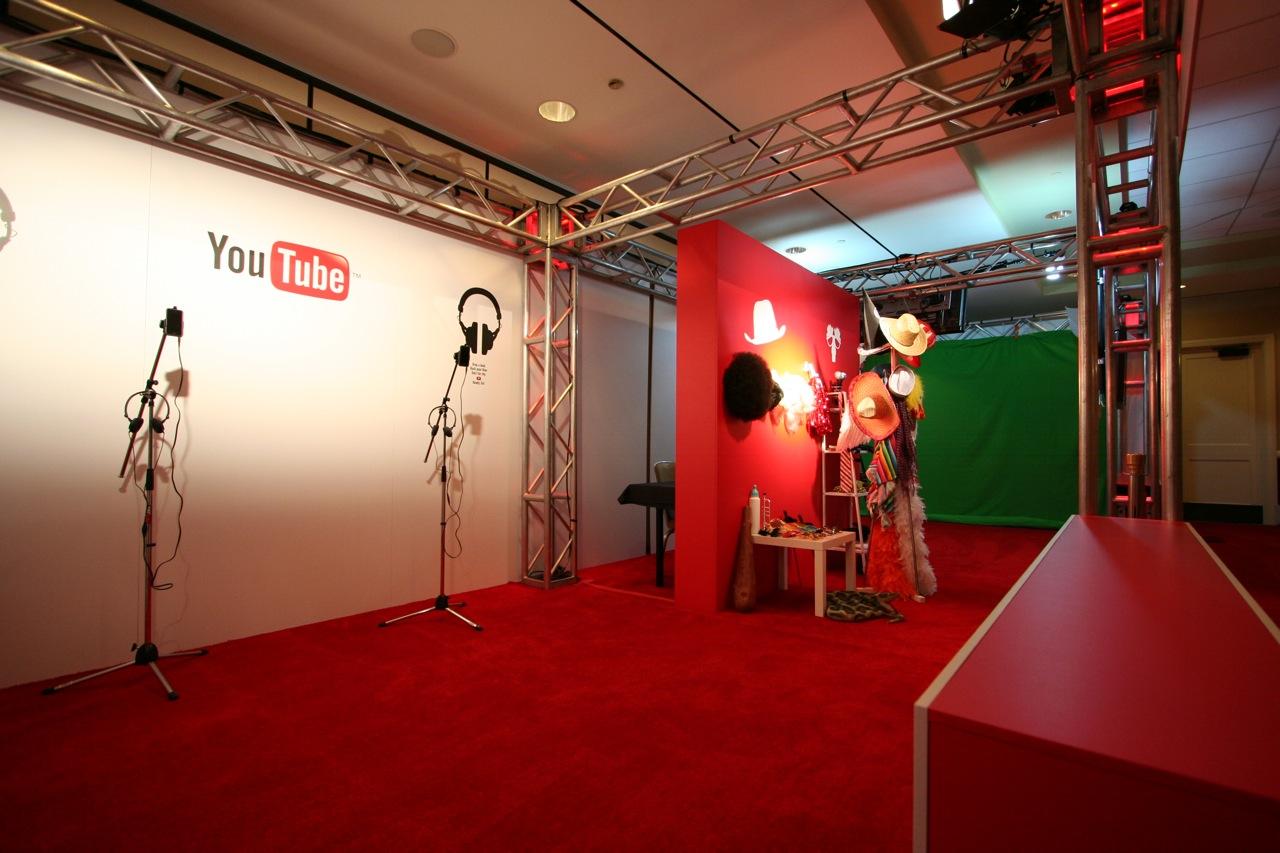 YouTube_VidCon'11_PLAY Room - 016.jpg