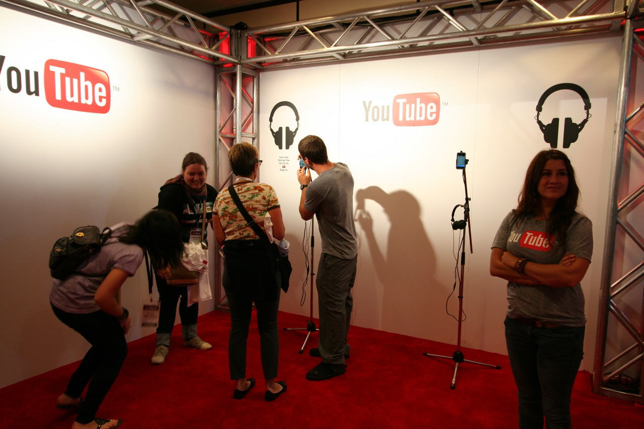YouTube_VidCon'11_PLAY Room - 040.jpg