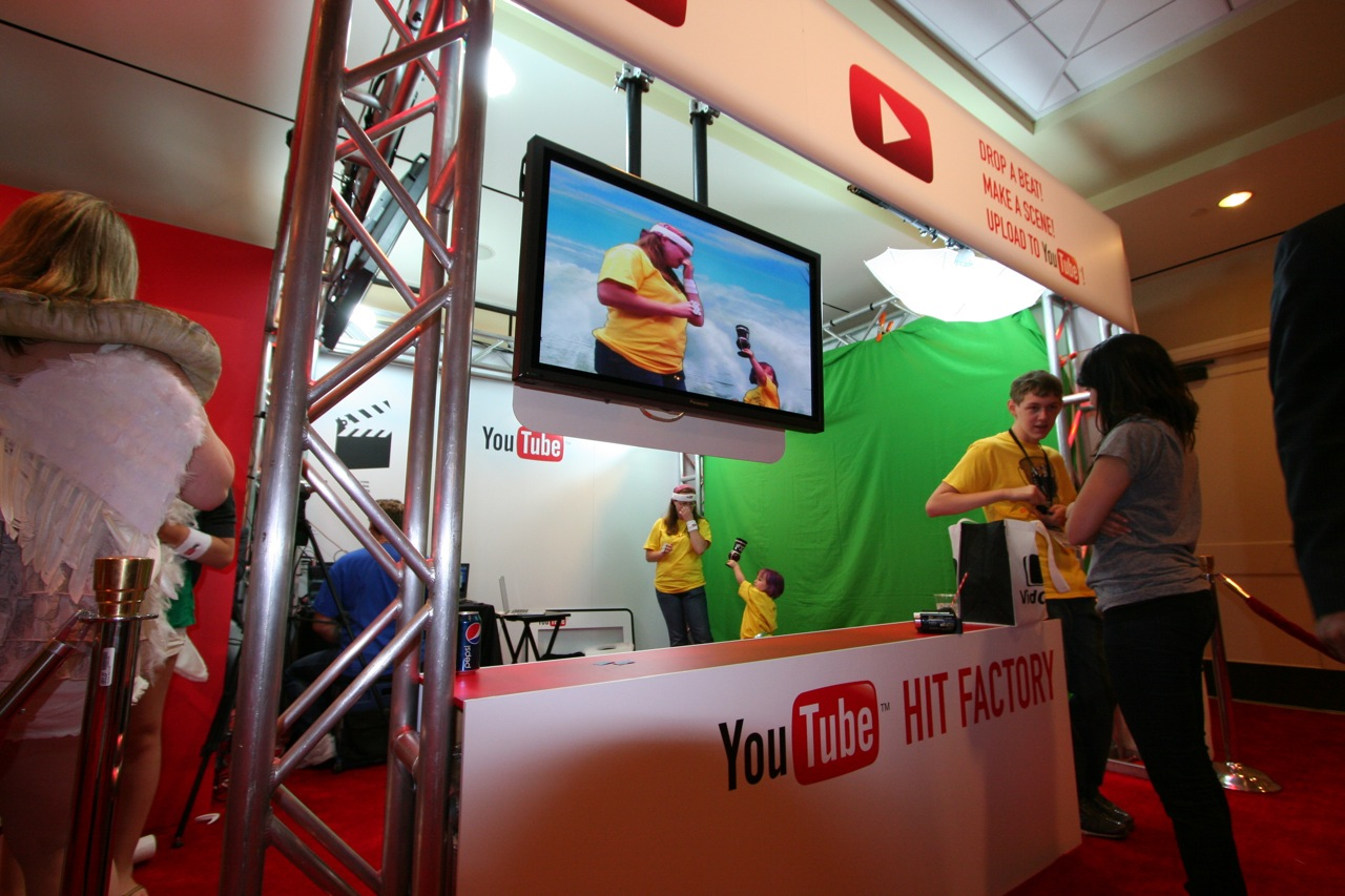 YouTube_VidCon'11_PLAY Room - 055.jpg