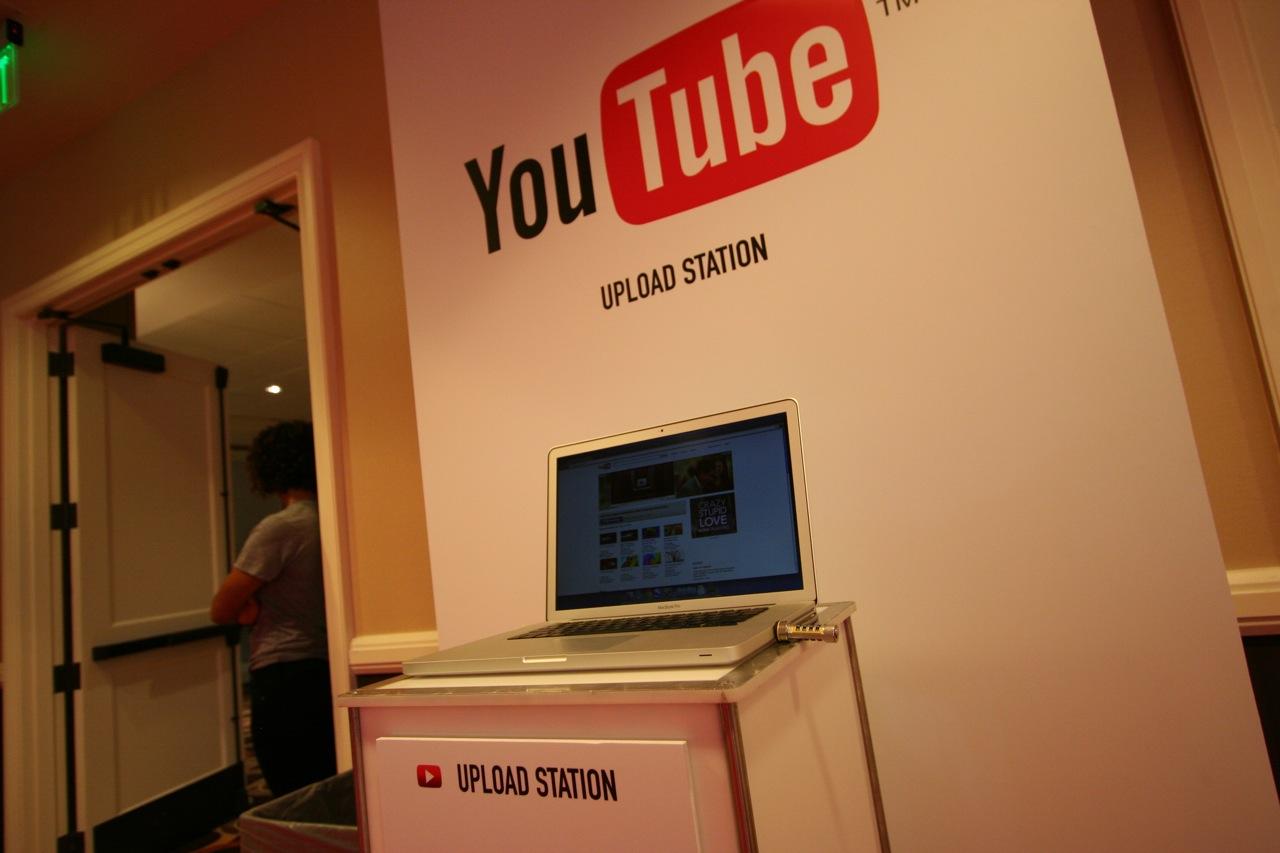 YouTube_VidCon'11_PLAY Room - 062.jpg
