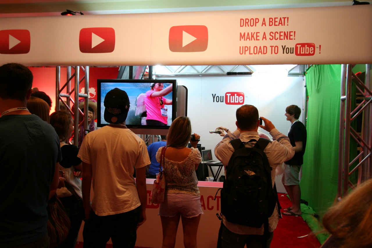 YouTube_VidCon'11_PLAY Room - 092.jpg