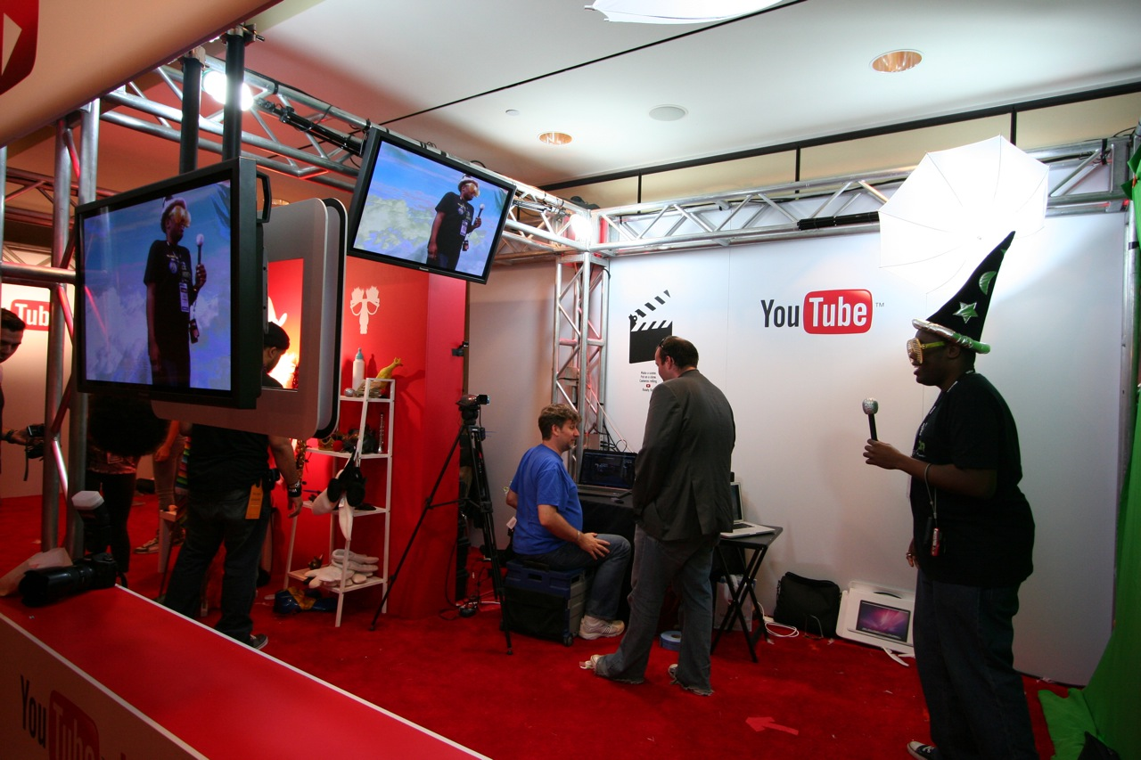 YouTube_VidCon'11_PLAY Room - 116.jpg