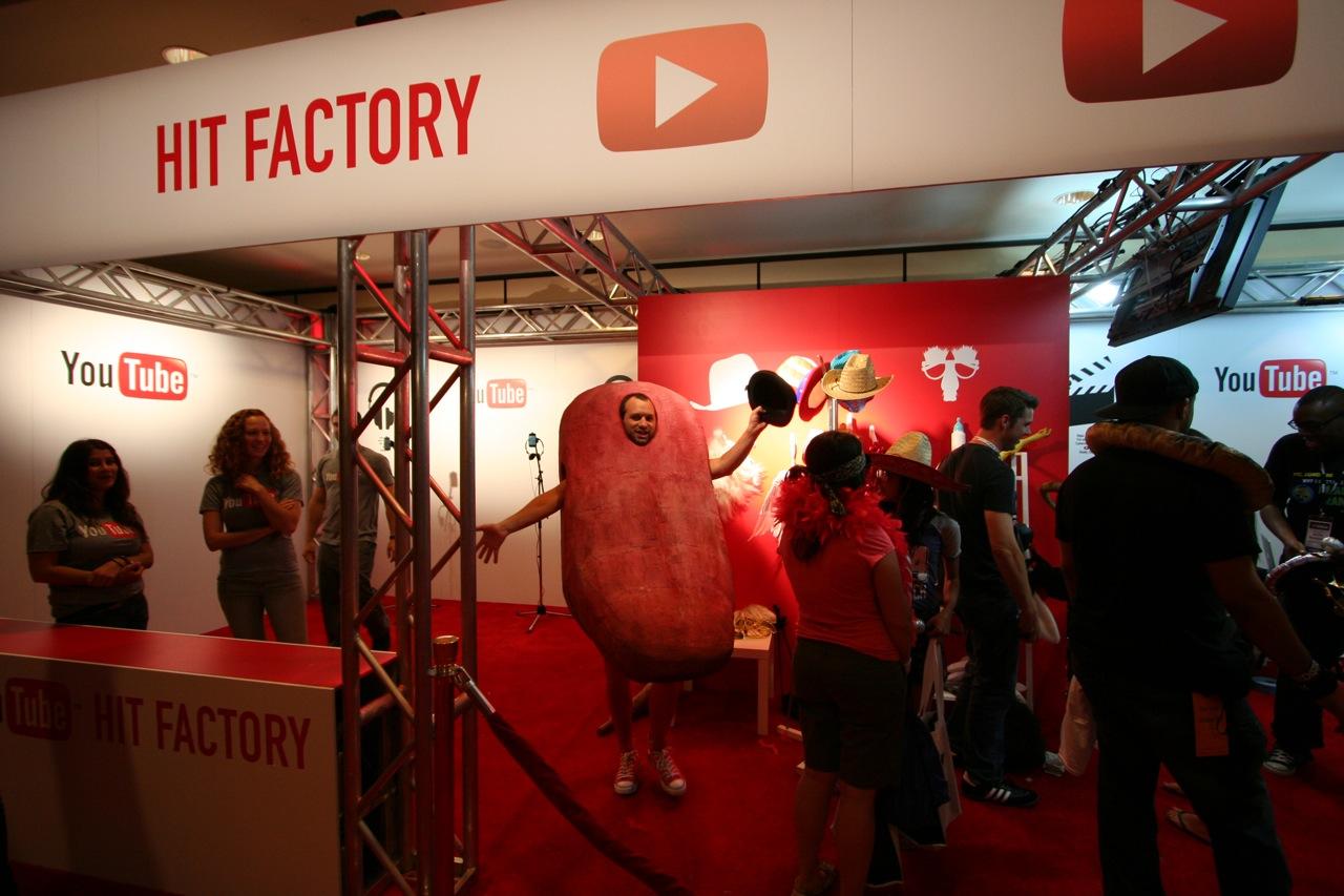 YouTube_VidCon'11_PLAY Room - 122.jpg
