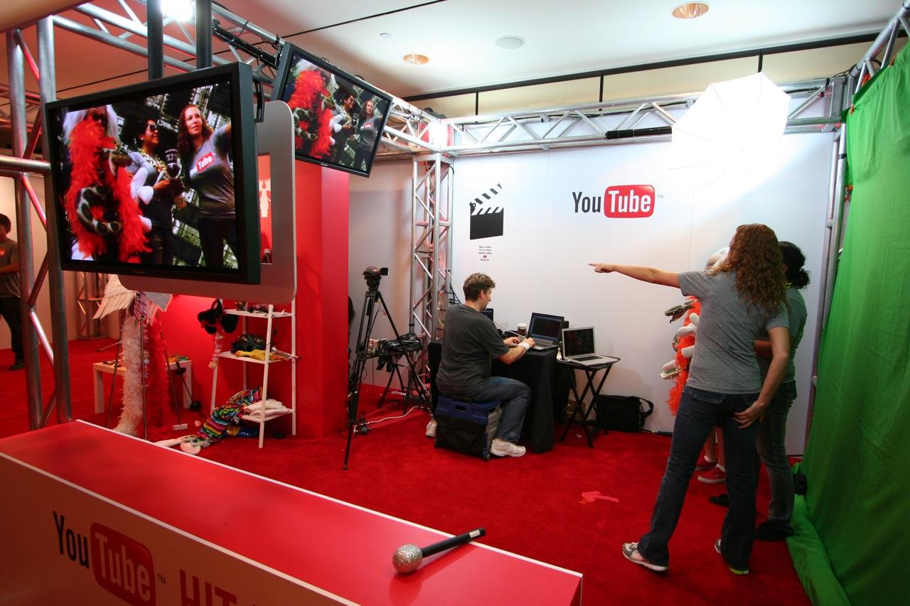 YouTube_VidCon'11_PLAY Room - 124.jpg