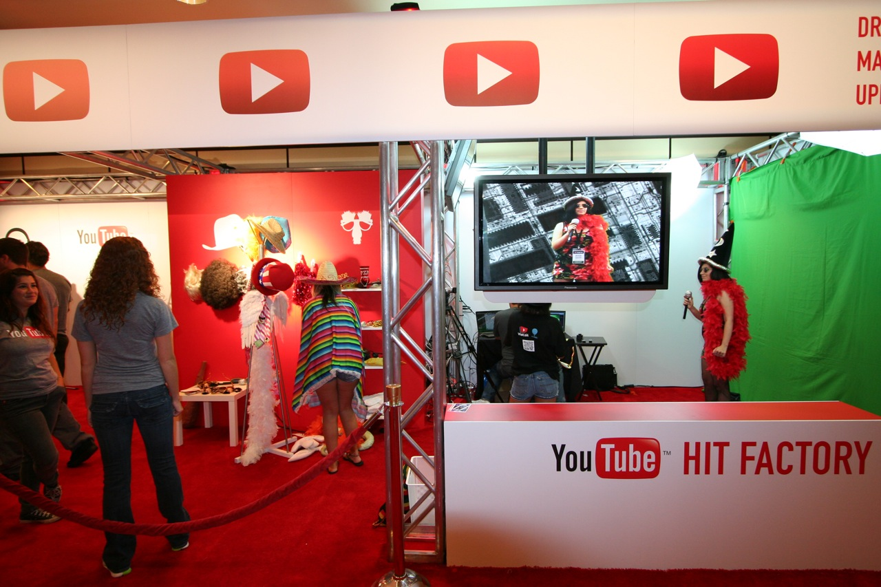 YouTube_VidCon'11_PLAY Room - 125.jpg