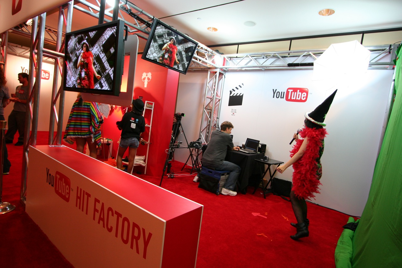 YouTube_VidCon'11_PLAY Room - 126.jpg