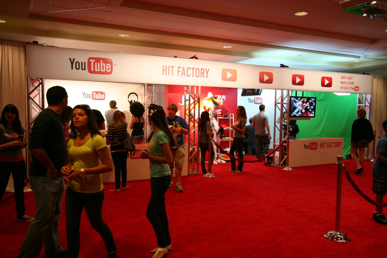 YouTube_VidCon'11_PLAY Room - 129.jpg