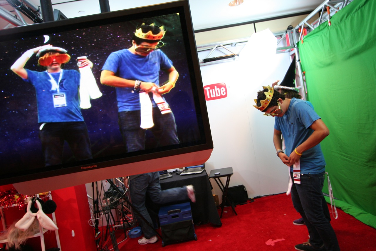 YouTube_VidCon'11_PLAY Room - 160.jpg