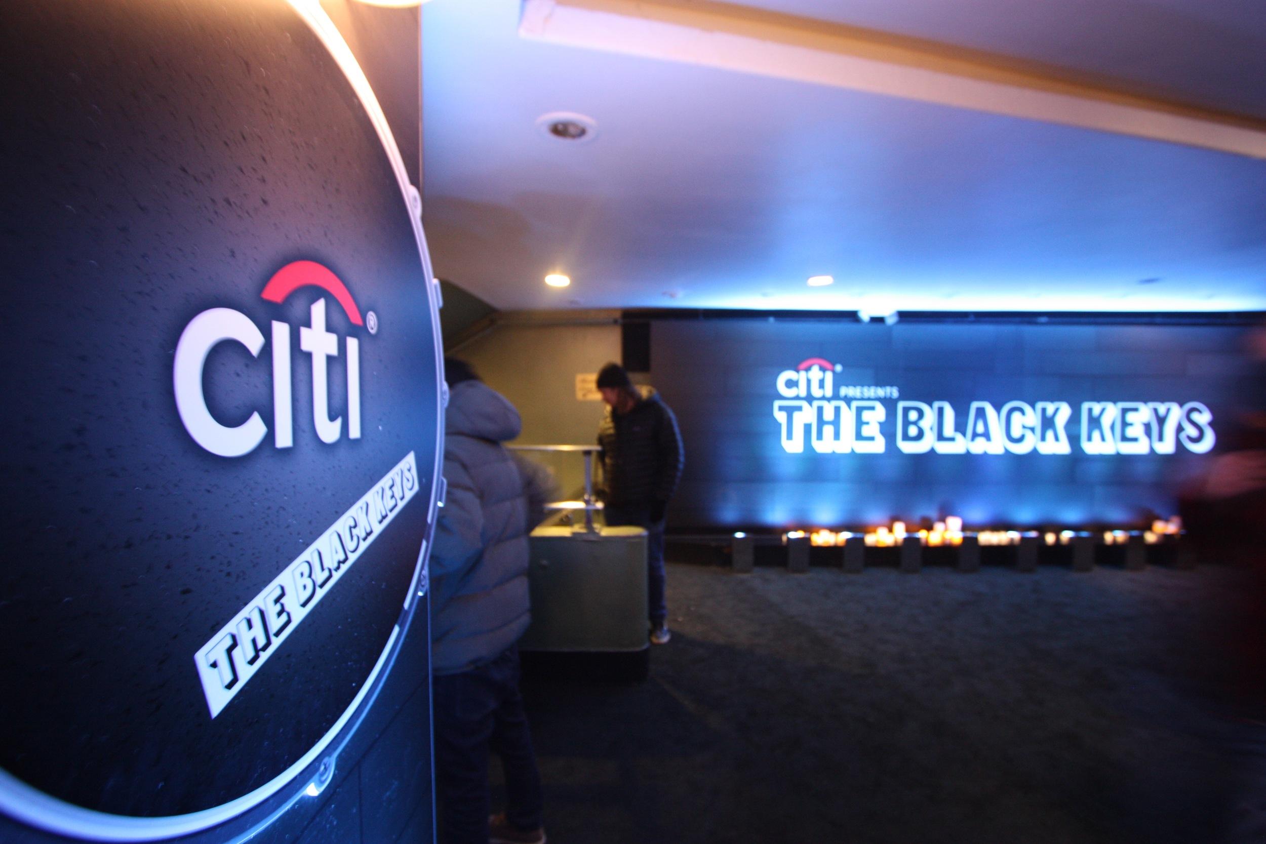 Black Keys Selects - 04.jpg