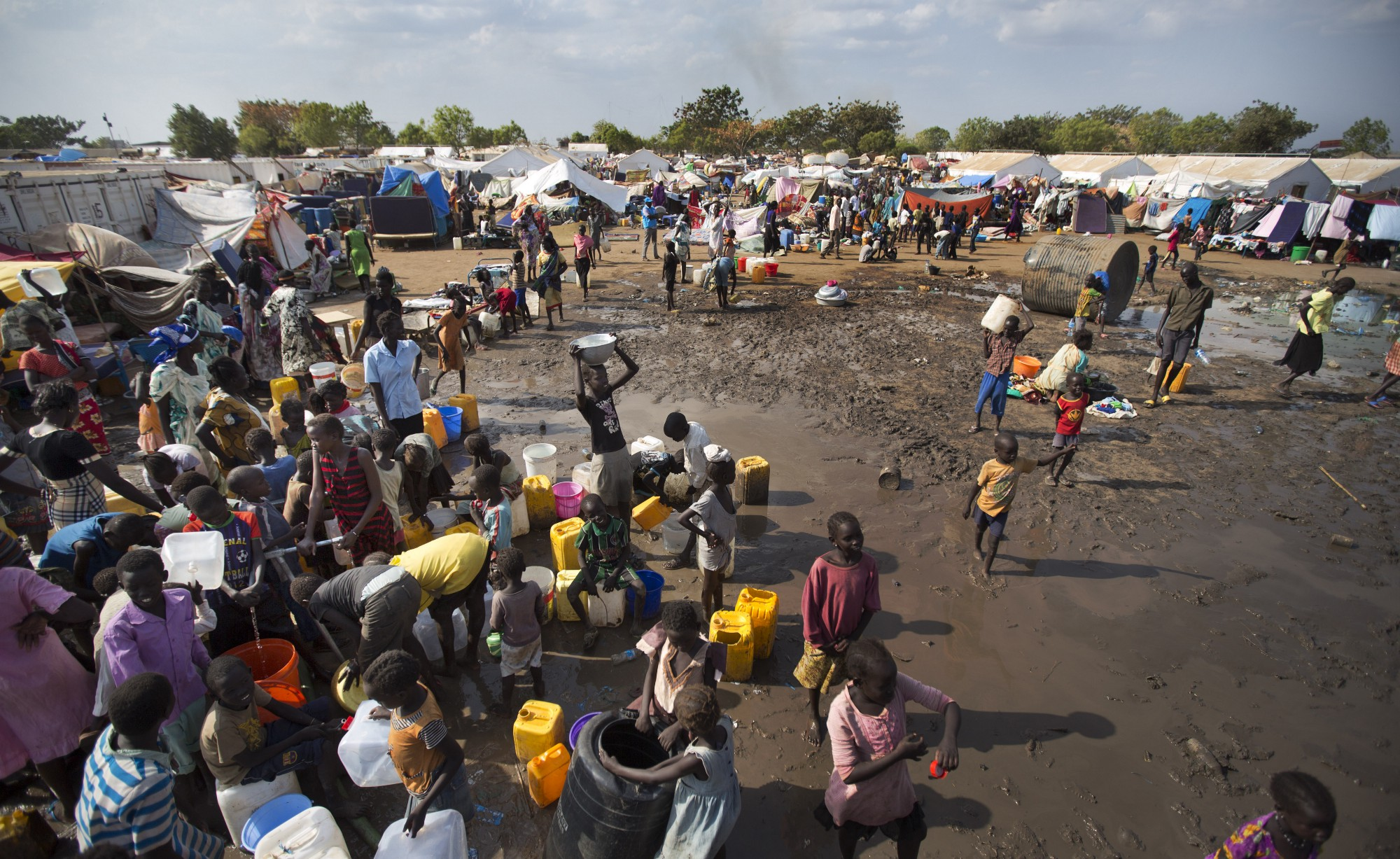 Almost 5 million people are currently at risk of going hungry. With famine already ravaging parts of South Sudan, people are dying of hunger — another 1 million people are on the brink of famine.