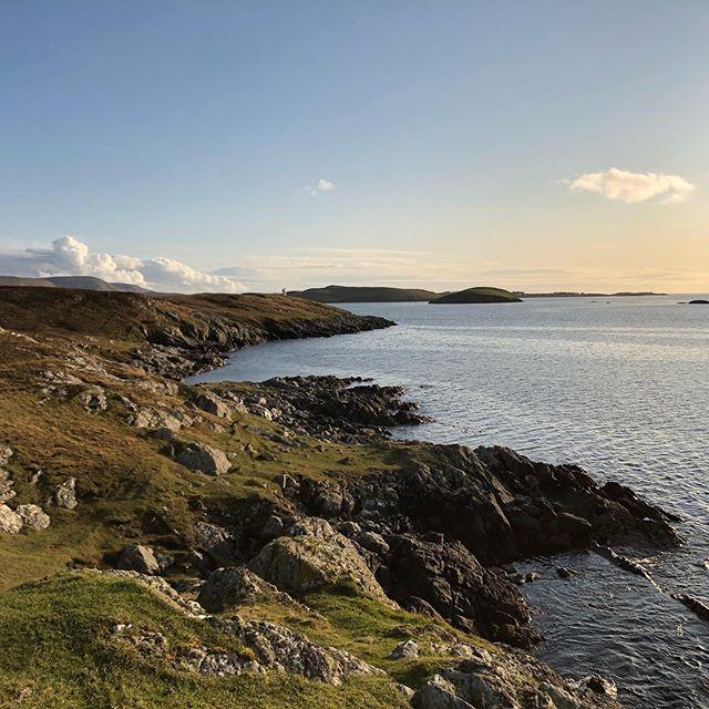 New house, new views, new trails to explore and run..brilliant 😬#trailrunning #trails #newhorizons #running #muddyfun #islandlife #shetland #scalloway