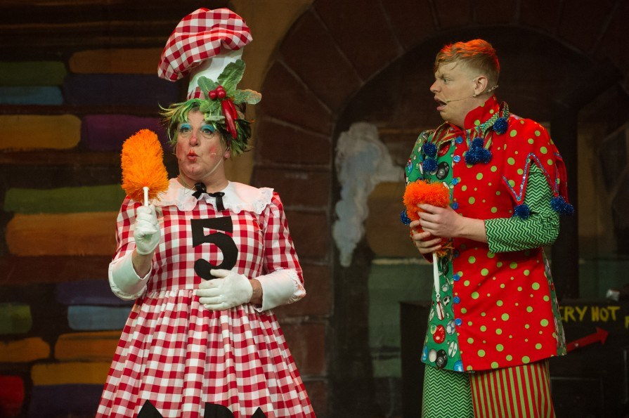Full of fun - Phil Edwards as Sarah The Cook and Peter Brassington as Idle Jack