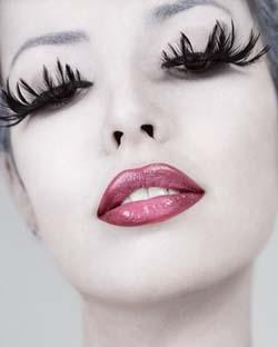 fake-feather-eyelashes.jpg