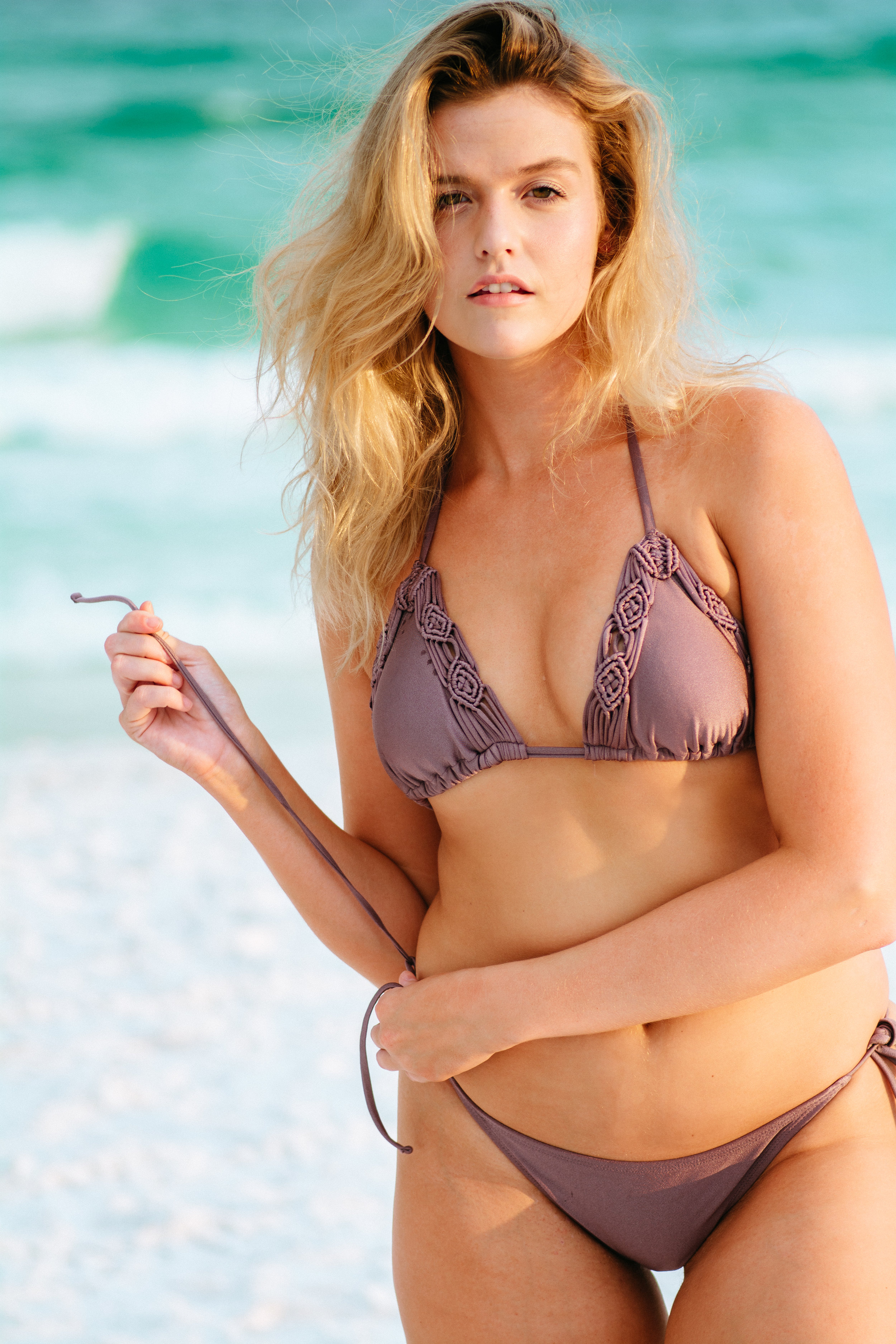 Dylan-Carney-Photography-Fashion-Lifestyle-Photography-Destin-Swim-Beach-Elizabeth-Braley-1.jpg