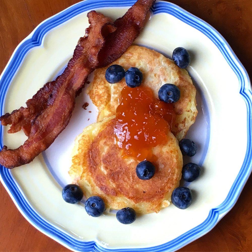 russian syrniki - aka ricotta pancakes