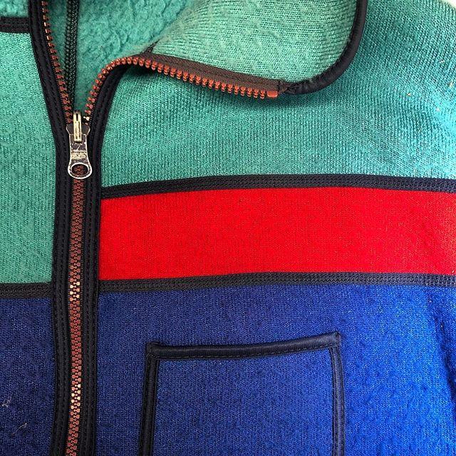 schwachstellen verstärkt. #vintage #atelierkartal _ #retro #fashion #love #style #vintagestyle #clothes #picoftheday #tailoring #schneiderei #swiss #switzerland #schweiz #swissblogger #colorful #hoddie