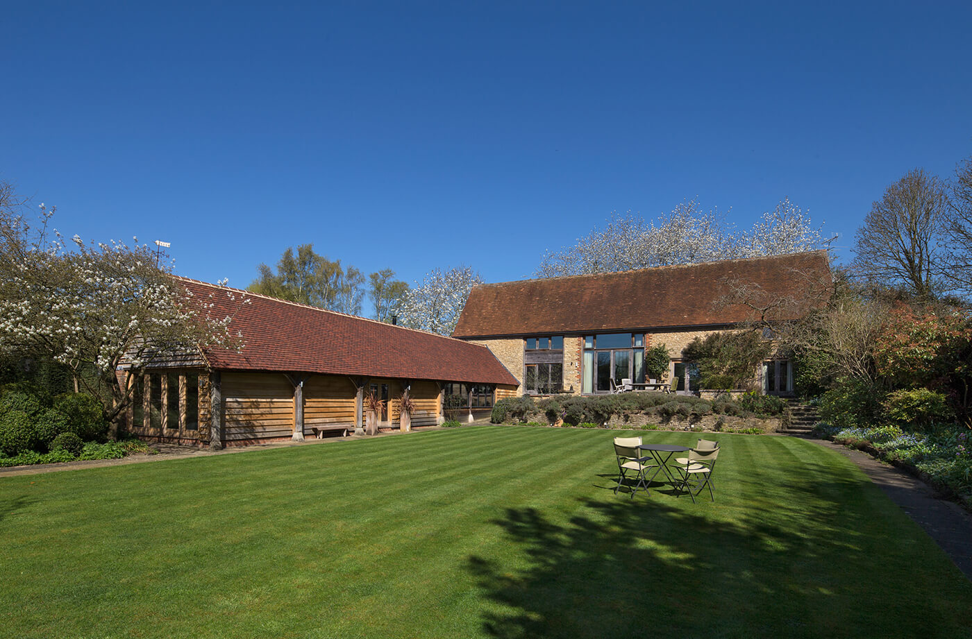 A stunning Oxfordshire barn conversion... - With a fully featured Loxone Smart Home automation system controlling the lighting, heating and security in the most efficient way possible.
