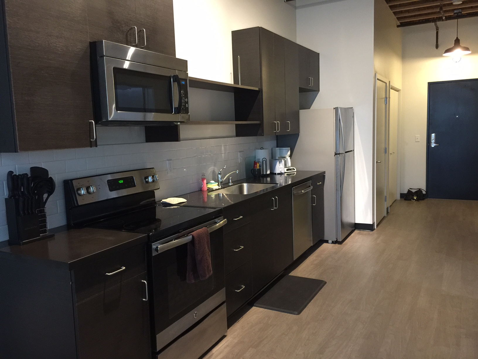 chung 2 kitchen.JPG
