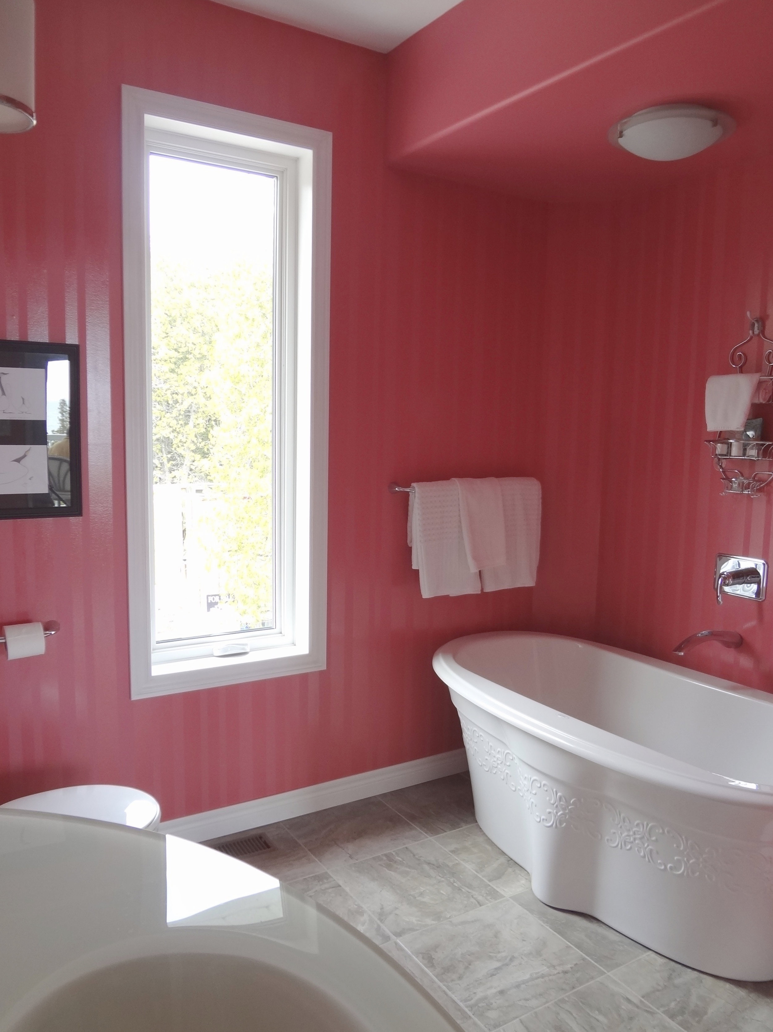 Master Ensuite with Soaker Tub