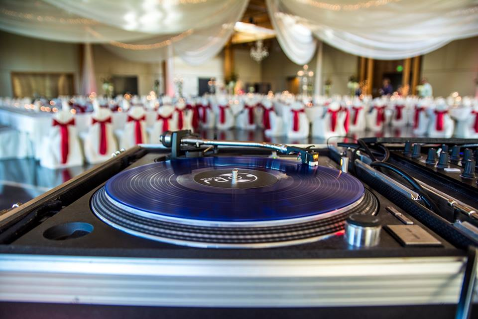 Sick turntable pic at wedding.jpg