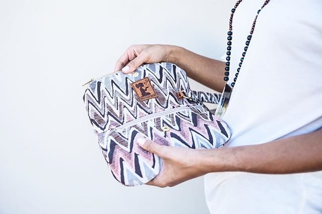 Our clutches are compact yet incredibly versatile and pack a lot more than you think! We love how much use you can truly get out of them. Use it as your make up bag, for travel, as an addition to your everyday tote or even for a date night out! We are always finding new ways to utilize one of our most practical, sleek designs and have many in stock on our website right now! Visit newhopegirls.co/clutch to find one in your favorite fabric 💃 . . . . . . . . . . . #purchasewithpurpose #empoweringwomen #rescuinggirls #globalgoods #madeformore #alwaysmore #dareformore #giftswithpurpose #ethicallymade #ethicalfashion #changemaker #sustainablefashion #fashionwithpurpose #fashionwithapurpose #artisans #artisangoods #storybrand #forthesakeofgirls #giveback #summervacation #schoolsout #schoolisout #newhopegirls #justice #mission #internationaljustice
