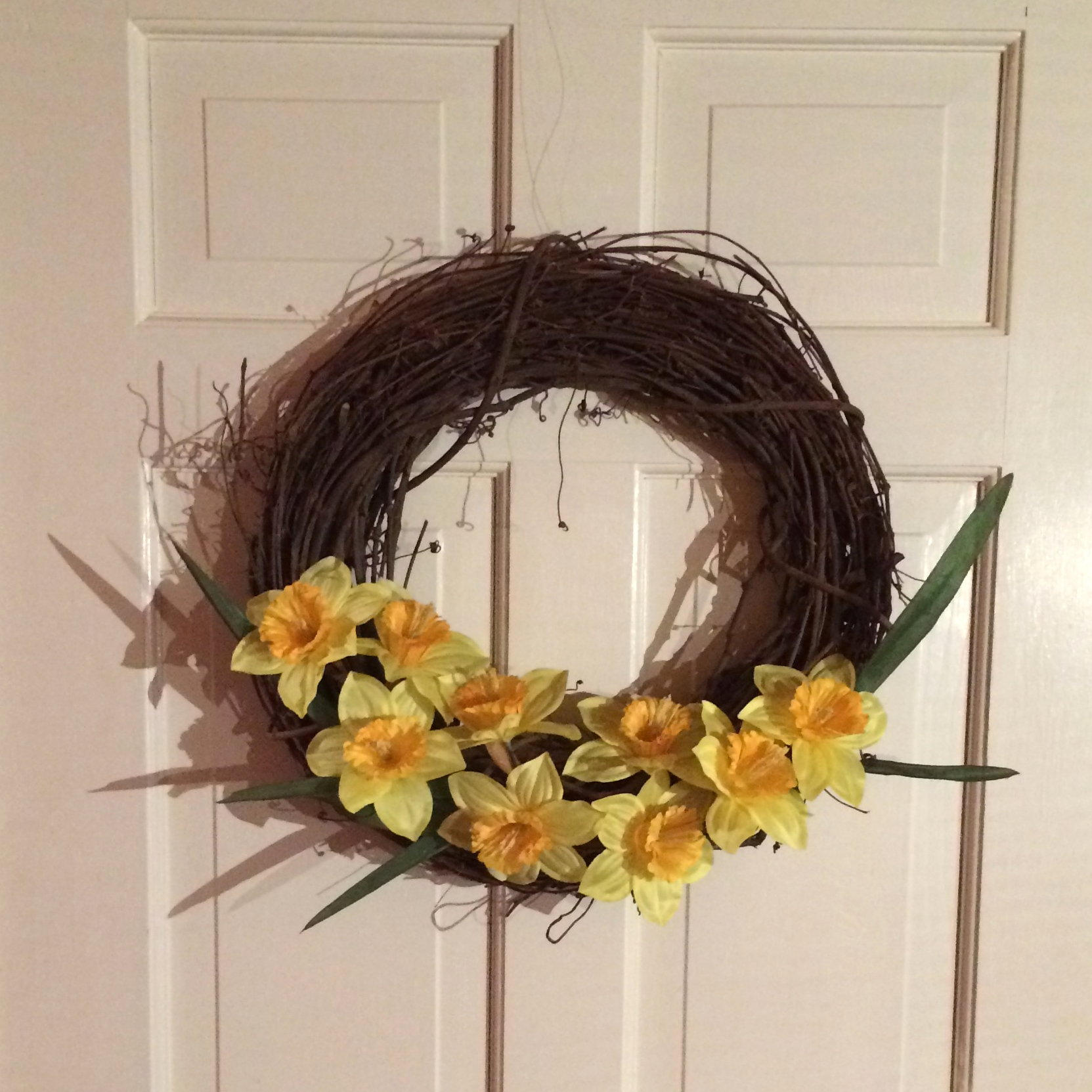 A simple and quick wreath made with just two items in less than 20 minutes!