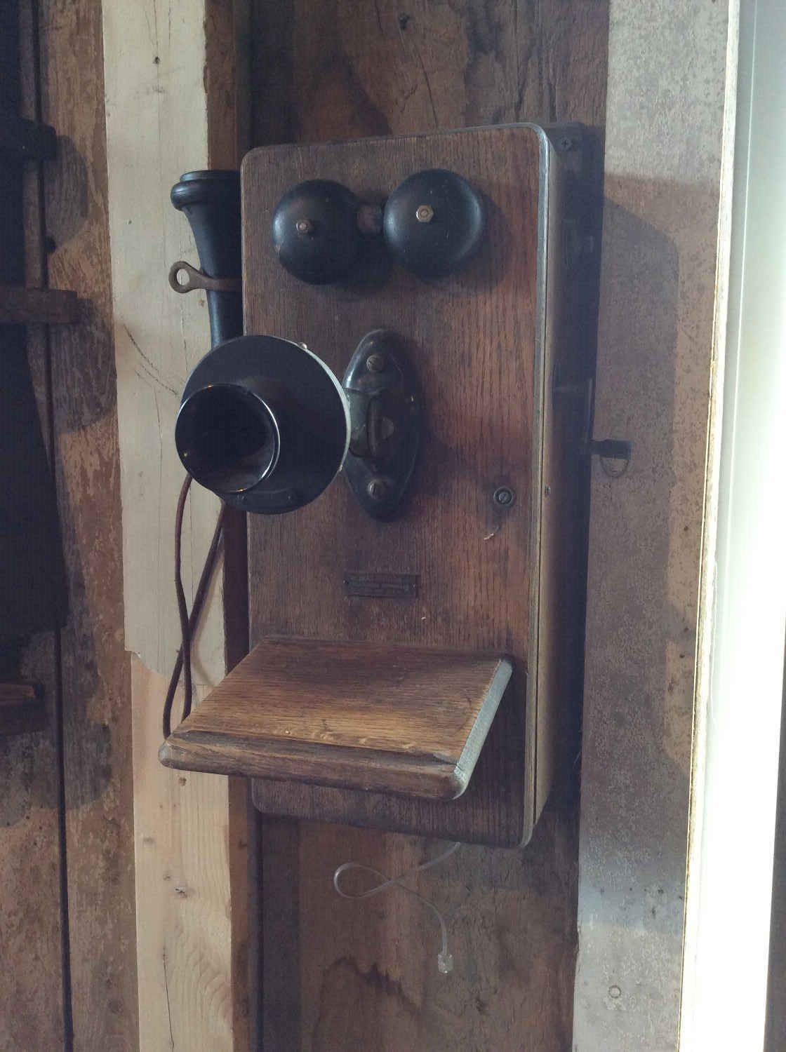 The Dean Electric Co. Telephone Apparatus