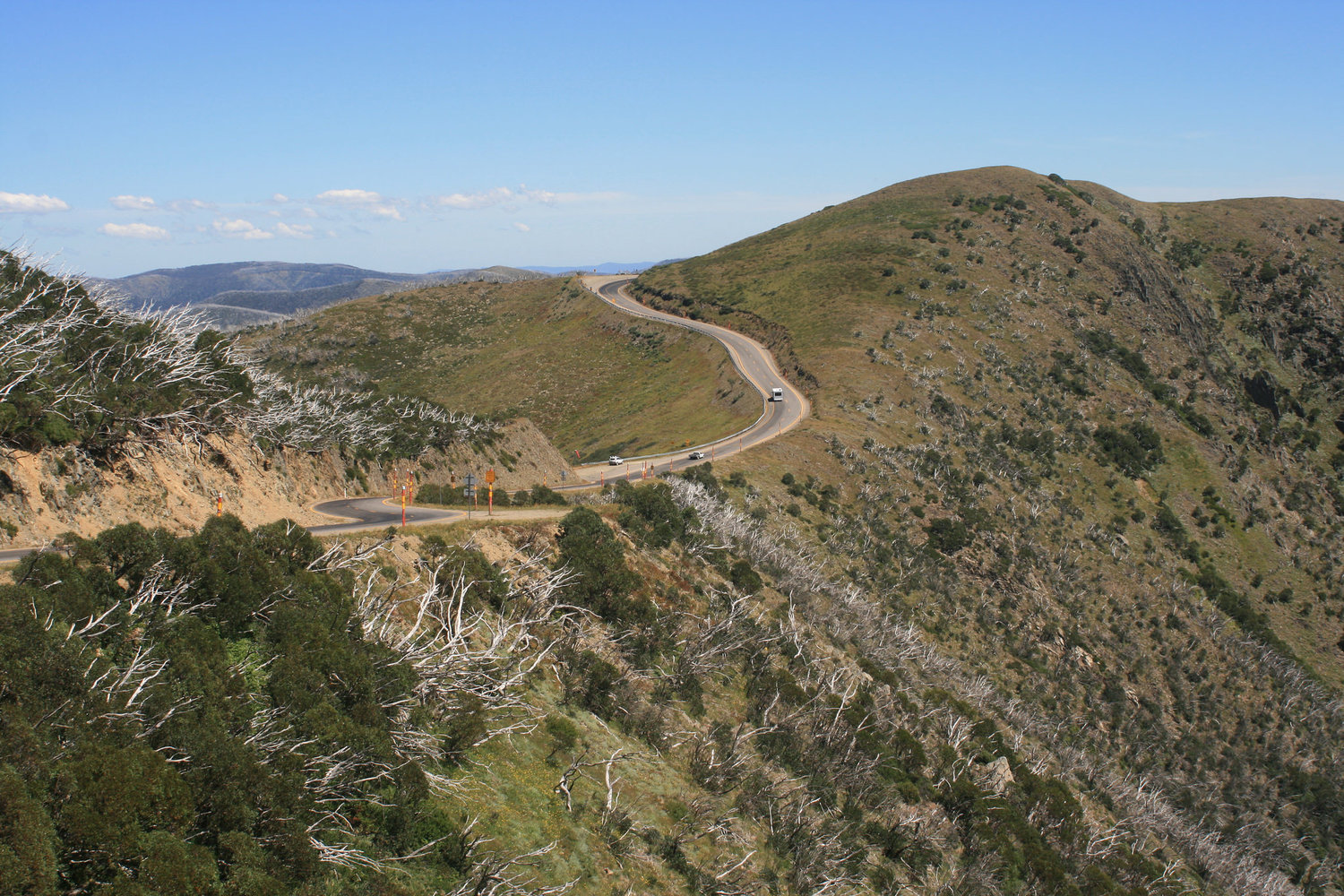 great alpine road hotham cycling